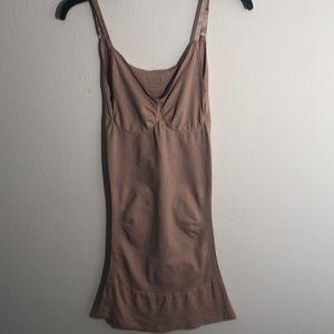 Red Hot by Spanx Womens Sleek Slimmers Tank Slip